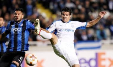 Emilio Zelaya en acción. El delantero argentino marcó para el Apollon de Chipre.