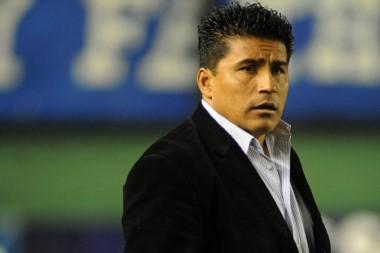 Asad dejó de ser el técnico de Estudiantes tras el empate ante el Lobo jujeño.