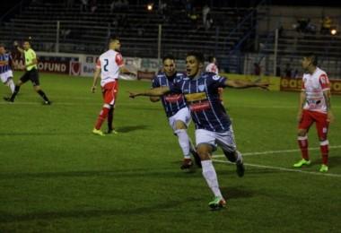 El gol tempranero de Montiel le dio la victoria al conjunto entrerriano.