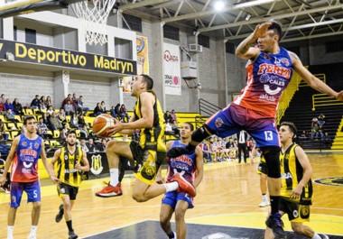 Rodrigo García elude el bloqueo de Nicolás Crausaz. Fue uno de los goleadores del partido con 24 puntos, y su hermano Gonzalo convirtió 26.