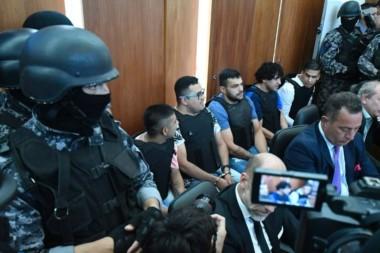 Los defensores de los acusados lanzaron munición pesada a la prueba basal de la Fiscalía.