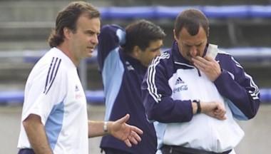 """""""Hagan lo que tengan que hacer"""" les dijo Bielsa a la directivos del Lille y fue a despedir a Luis Bonini sin autorización."""