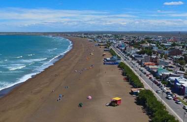 Planificaron la semana del 3 al 7 de enero en Playa Unión  con artistas, feria, circuito gastronómico, los Reyes Magos, corrida y natación de aguas abiertas.