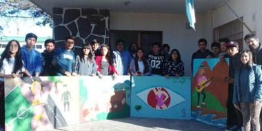 Experiencia. El grupo de jóvenes alumnos conoció la capital y de paso compartió actividades con otros.