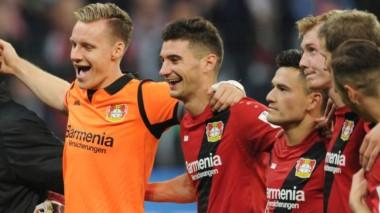 Lucas Alario estuvo presente en el partido de Bayer Leverkusen ante Frankfurt (1-0).