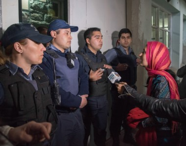 Miembros de la comunidad mapuche reclamaron, luego de la muerte de un hombre.