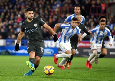 Agüero es el primer futbolista en llegar a 180 goles con la camiseta del Manchester City.