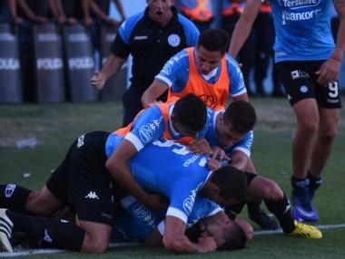 Brener y Brunetta le dieron el triunfo a Belgrano ante Gimnasia.