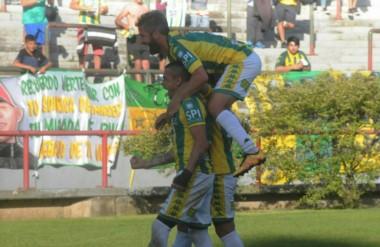 Telechea, de penal, le dio la victoria a Aldosivi en Mar del Plata.