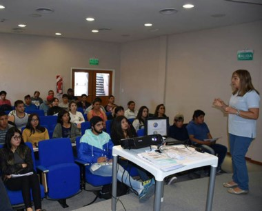 Instancias del curso de Capacitación en Manipulación de Alimentos.