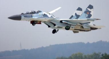 El avión ruso Su-30 como el que interceptó la nave de los Estados Unidos.