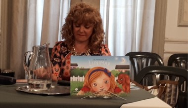 """Gladys Abilar estará presentando su libro """"Las Aventuras de Lunimar""""."""