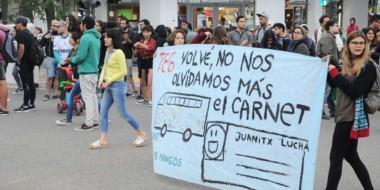 La gente volvió a manifestarse en la calle para que el TEG se restablezca en Puerto Madryn.