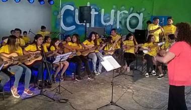 """La Orquesta """"Andrés Chazarreta"""" cierra el año en el Centro Cultural."""