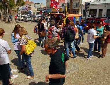 Los trabajadores del Isola piden una apertura de diálogo.