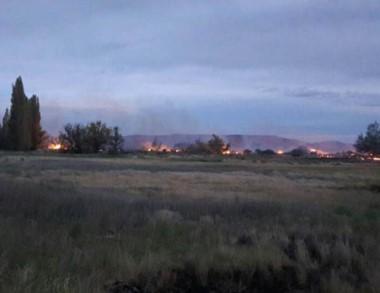 El fuego comenzó el miércoles a la noche. Trabaja Defensa Civil.