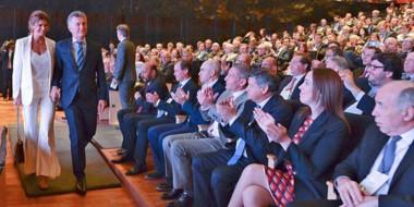 El gobernador Arcioni participó del encuentro con las grandes potencias mundiales desde primera fila.