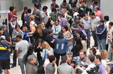Todos. Una postal del después del encuentro de los empleados públicos con los bloques en la Legislatura.