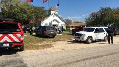 Al menos 27 muertos y 30 heridos tras tiroteo en una iglesia de Texas.