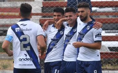 Habría cambios importantes en la segunda categoría del fútbol argentino donde participa Guillermo Brown, el único club patagónico.