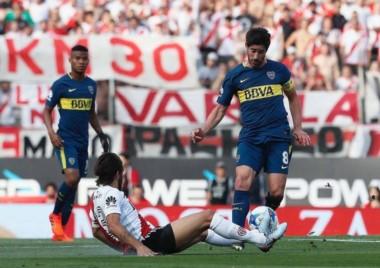 Pablo Pérez, una de las figuras de Boca. Pase exquisito para el gol de Nández.