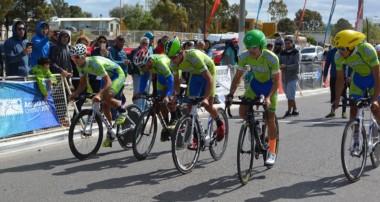 El ciclismo tuvo actividad en el primer día de la Araucanía Chubut 2017.
