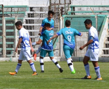 Chubut goleó a la región chileno de Los Lagos por 3 a 0, en El Fortín de Rawson.