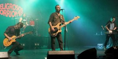 Peligrosos Gorriones, uno de los grupos destacados del rock argentino de los 90, toca en Trelew.