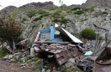 Destrucción total. Así quedó tirada una casa que estaba siendo reconstruida pese a los riesgos del lugar.