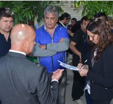 Notificados. Guillermo Quiroga, referente de ATE Chubut, estuvo en el acampe ante el potencial operativo.
