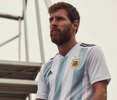 """Messi: """"Es mentira que pongo a mis amigos y a los técnicos que quiero en la Selección, yo soy uno más acá adentro""""-"""