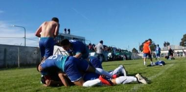 Emotivo triunfo de Chubut por penales en las semifinales de fútbol en Germinal.