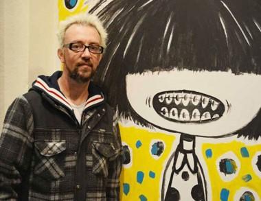 El artista Juan Chavetta participa de la actividades de la Feria del Libro.