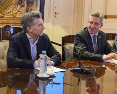 El gobernador se reúne con todos los intendentes hoy en Casa de Gobierno.