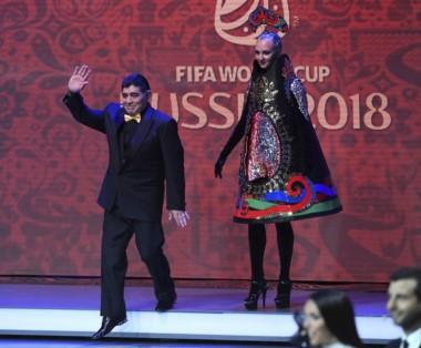 Maradona participó en el sorteo del fixture del Mundial en Moscú.
