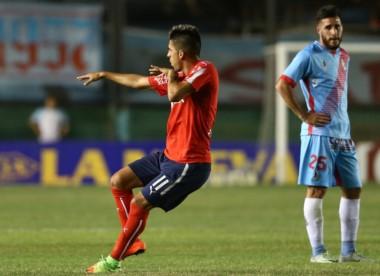 Sobre la hora, el Rojo (Fernández y Denis) derrotó 2-1 a Arsenal (Wilchez) en la última fecha del año en la Superliga.