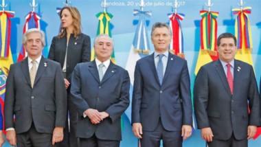 Tabaré, Temer, Macri y Cartes, los presidentes de cuatro países del Mercosur.