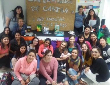 La muestra reúne trabajos de alumnos de profesorado de Nivel Inicial.