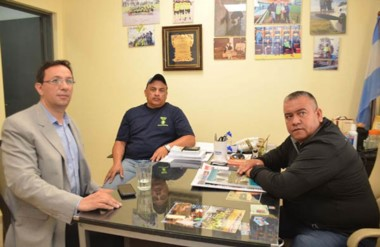 Gestiones. Maderna se reunió con la cúpula local de la UOCRA para discutir la crisis en el sector.