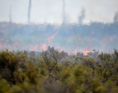 El fuego se reavivó durante la tarde del jueves