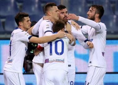 """Con el """"Papu"""" de titular, Atalanta venció a Genoa."""
