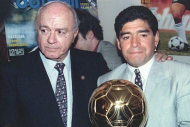En las épocas en las que Maradona brilló como futbolista, el prestigioso premio de la revista France Football estaba reservado a los jugadores de origen europeo.