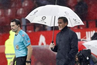 En la vuelta del Toto Berizzo tras su delicada operación, Sevilla empató 0-0 como local ante Levante.
