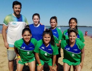 Las chicas del fútbol debutaron con victoria ante La Pampa por 5 a 2.