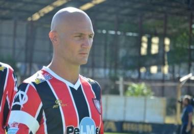 """Sebastián """"Tomatito"""" Pena es el nuevo entrenador de Chacarita e intentará mantenerlo en Primera en la segunda parte de la Superliga."""