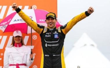 Facundo Ardusso se coronó campeón y cortó la sequía de Renault.