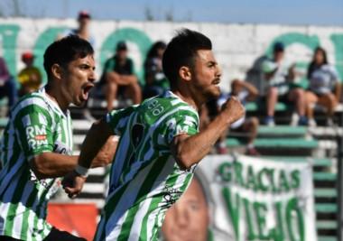 """Pellejero abrió el camino hacia la goleada del """"Verde""""."""
