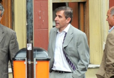 El fiscal Gerardo Pollicita fotografiado en la vía pública.