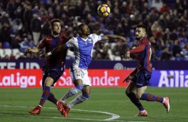 Levante y Leganés, que terminó con uno menos, cierran el año sin goles.