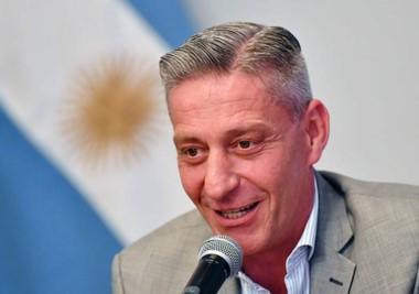Arcioni al confirmar que convocará a sesión extraordinaria de la Legislatura Provincial para el martes 9 de enero del 2018.